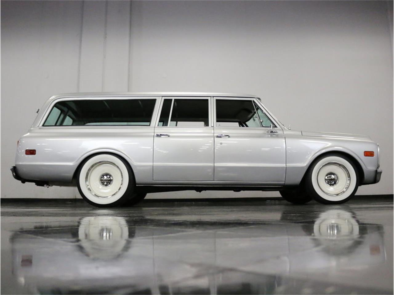 Large Picture of 1971 GMC Suburban located in Ft Worth Texas - $42,995.00 Offered by Streetside Classics - Dallas / Fort Worth - MOA7