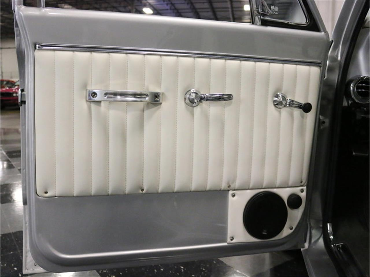 Large Picture of Classic '71 GMC Suburban located in Ft Worth Texas Offered by Streetside Classics - Dallas / Fort Worth - MOA7
