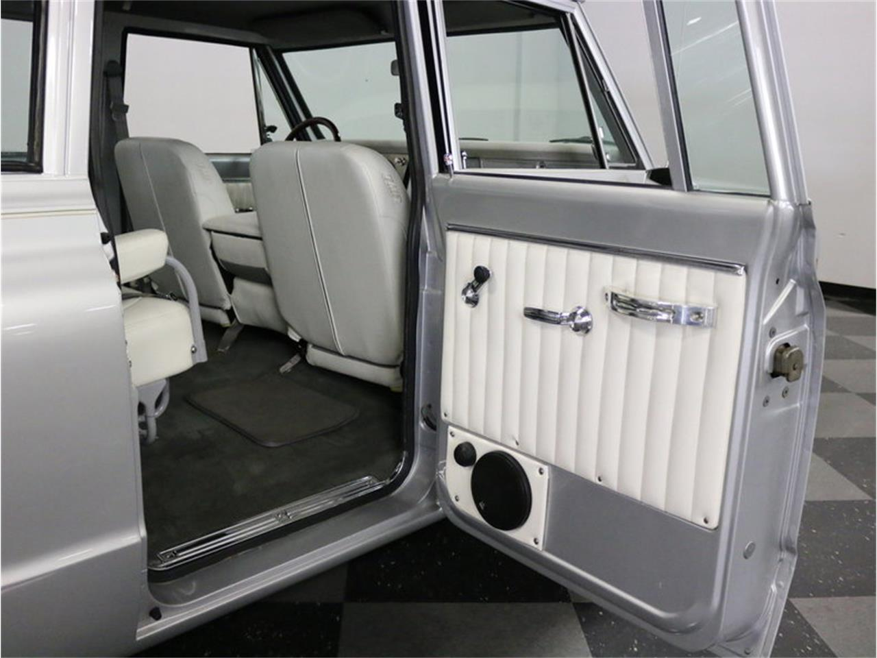 Large Picture of 1971 Suburban located in Ft Worth Texas Offered by Streetside Classics - Dallas / Fort Worth - MOA7
