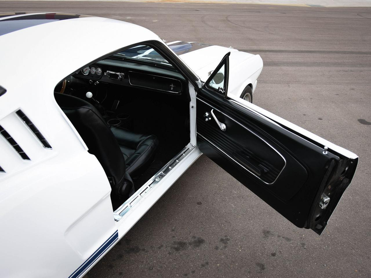 Large Picture of Classic '65 Ford Mustang located in O'Fallon Illinois - $49,995.00 Offered by Gateway Classic Cars - Denver - MOAC
