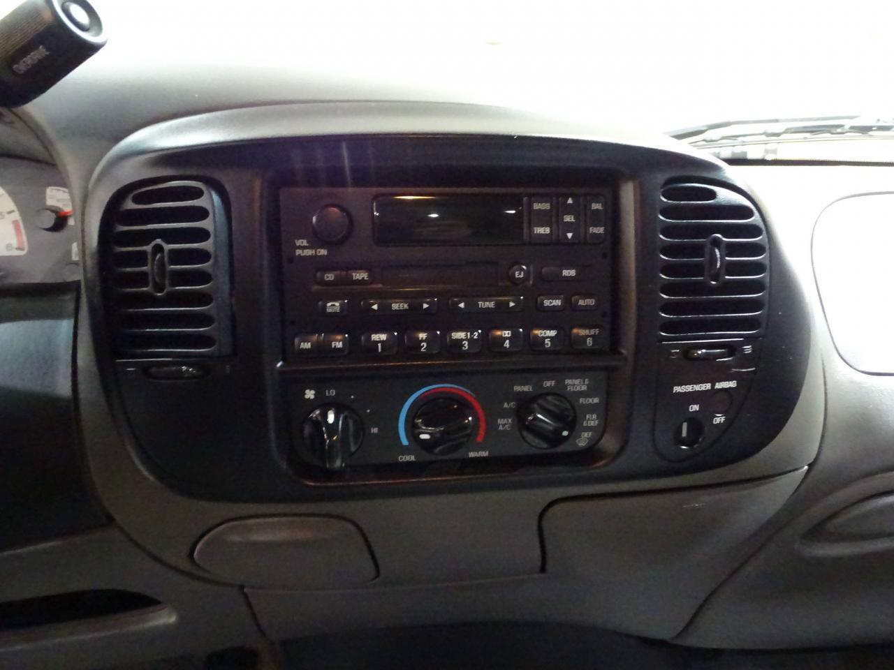 Large Picture of '02 Ford F150 located in O'Fallon Illinois Offered by Gateway Classic Cars - St. Louis - MOAG