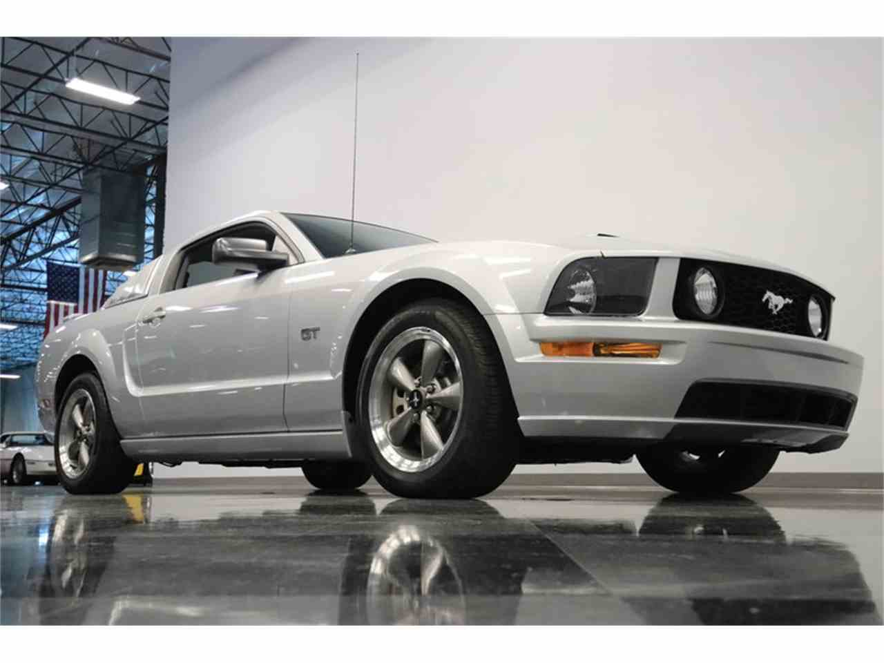 Large Picture of '05 Mustang GT - MOAI