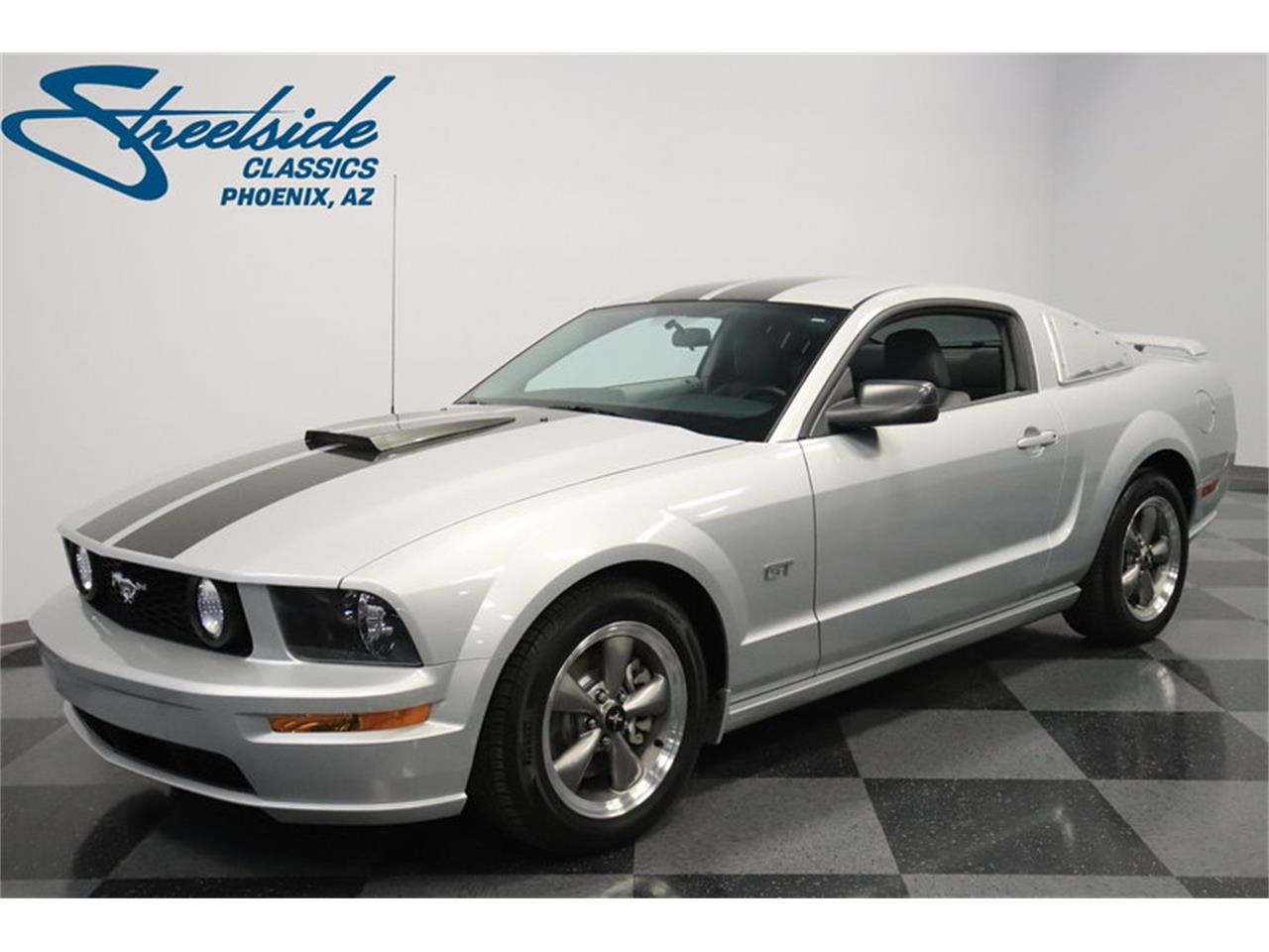 Large Picture of 2005 Mustang GT - $16,995.00 Offered by Streetside Classics - Phoenix - MOAI