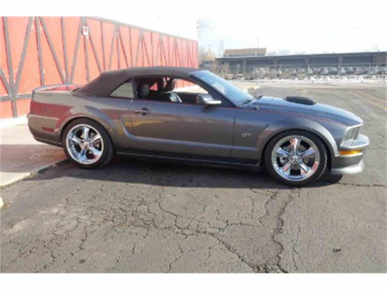 Large Picture of '06 Mustang - MOAW