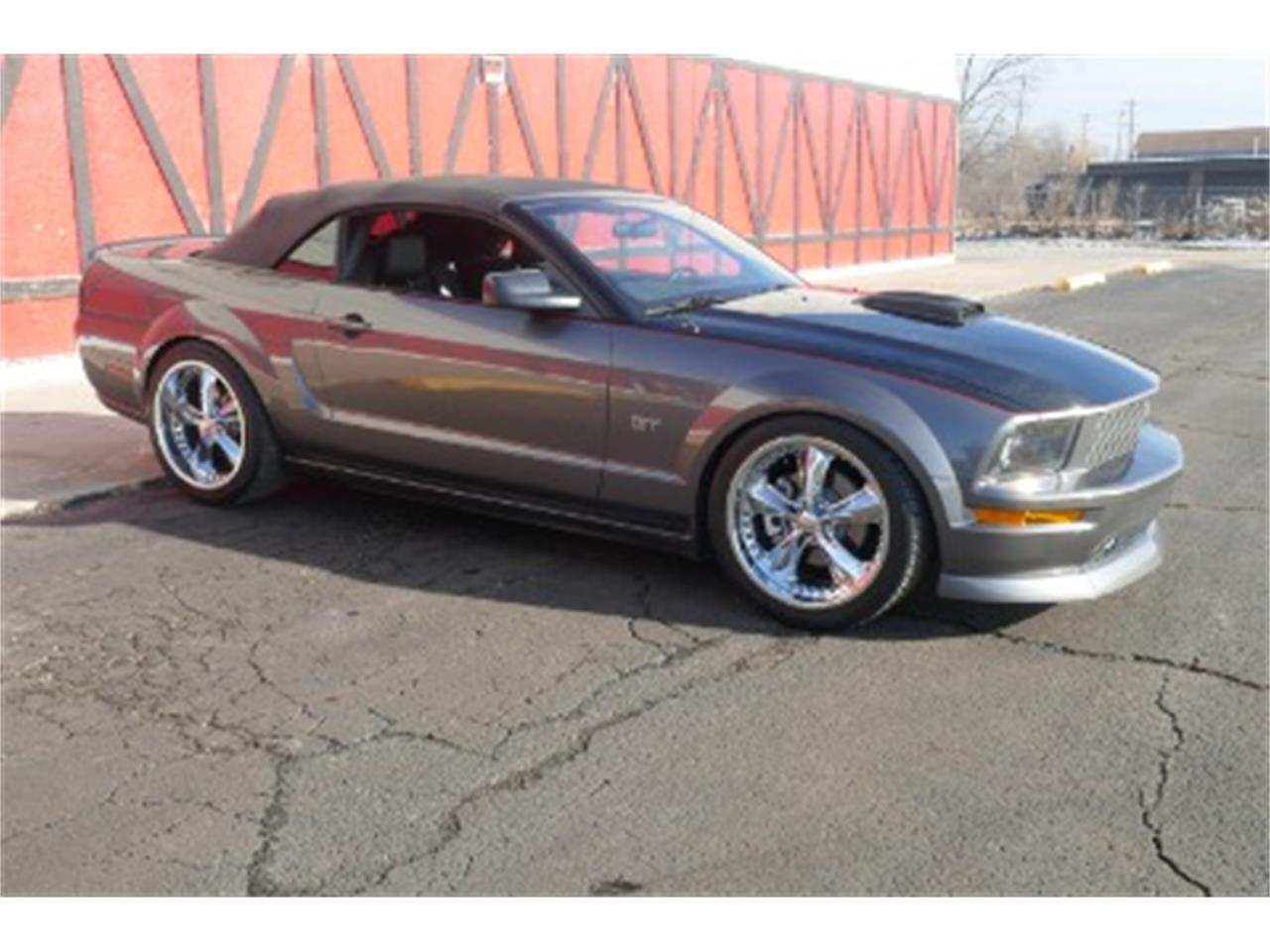 Large Picture of '06 Ford Mustang located in Illinois - $23,500.00 Offered by North Shore Classics - MOAW