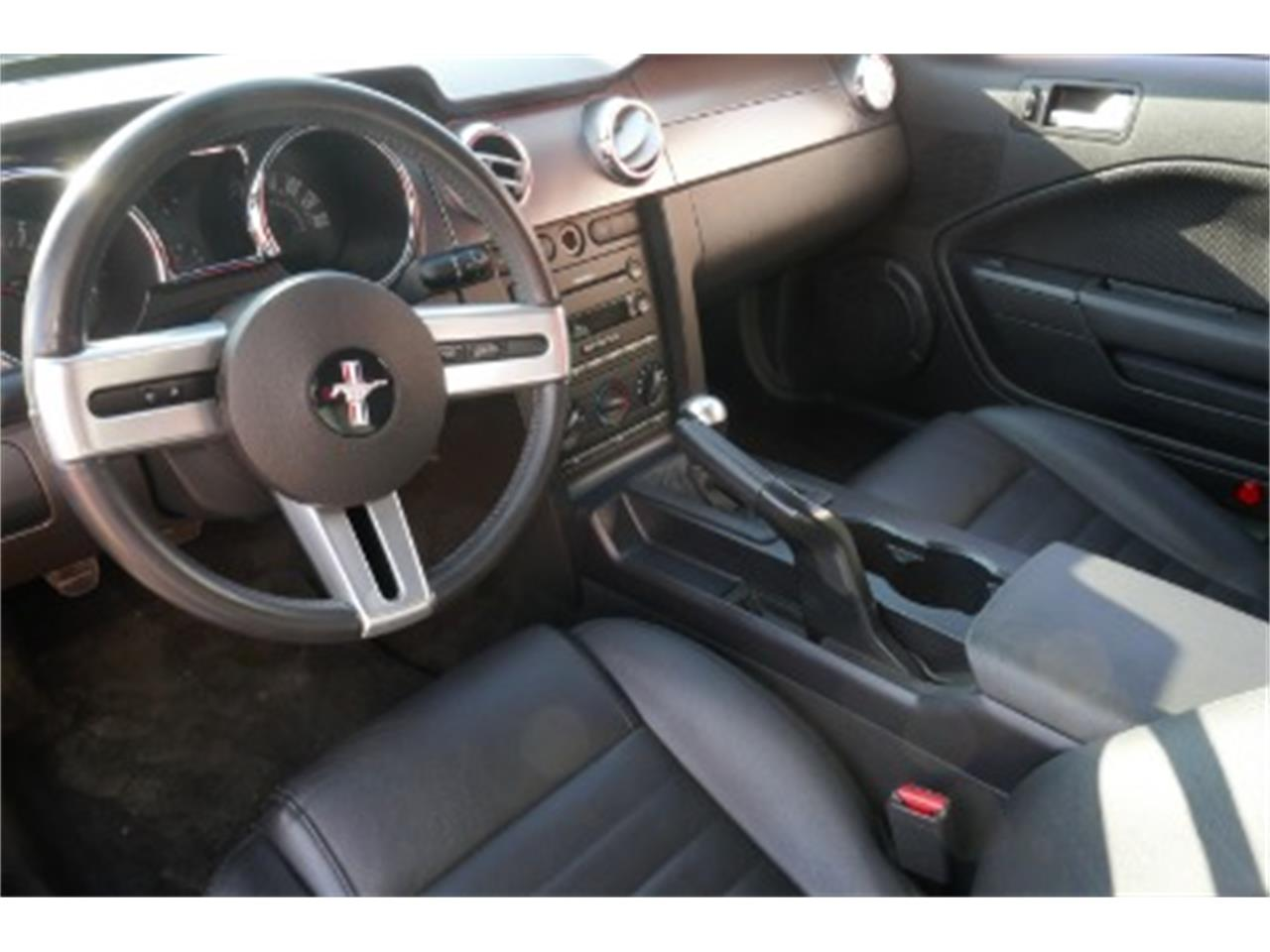 Large Picture of '06 Ford Mustang - $23,500.00 - MOAW