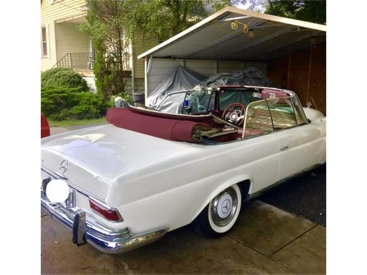 Large Picture of Classic 1966 Mercedes-Benz 250 - MOB0