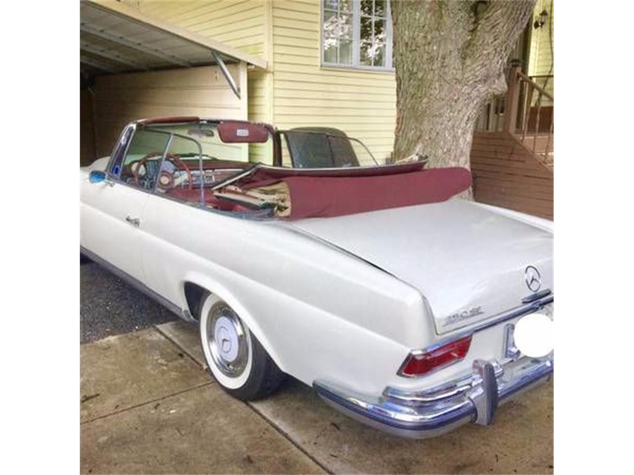 Large Picture of '66 Mercedes-Benz 250 located in Michigan - $78,495.00 Offered by Classic Car Deals - MOB0