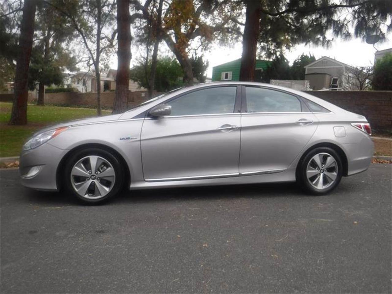 Large Picture of '11 Hyundai Sonata located in California - $9,995.00 Offered by Allen Motors, Inc. - MOBC