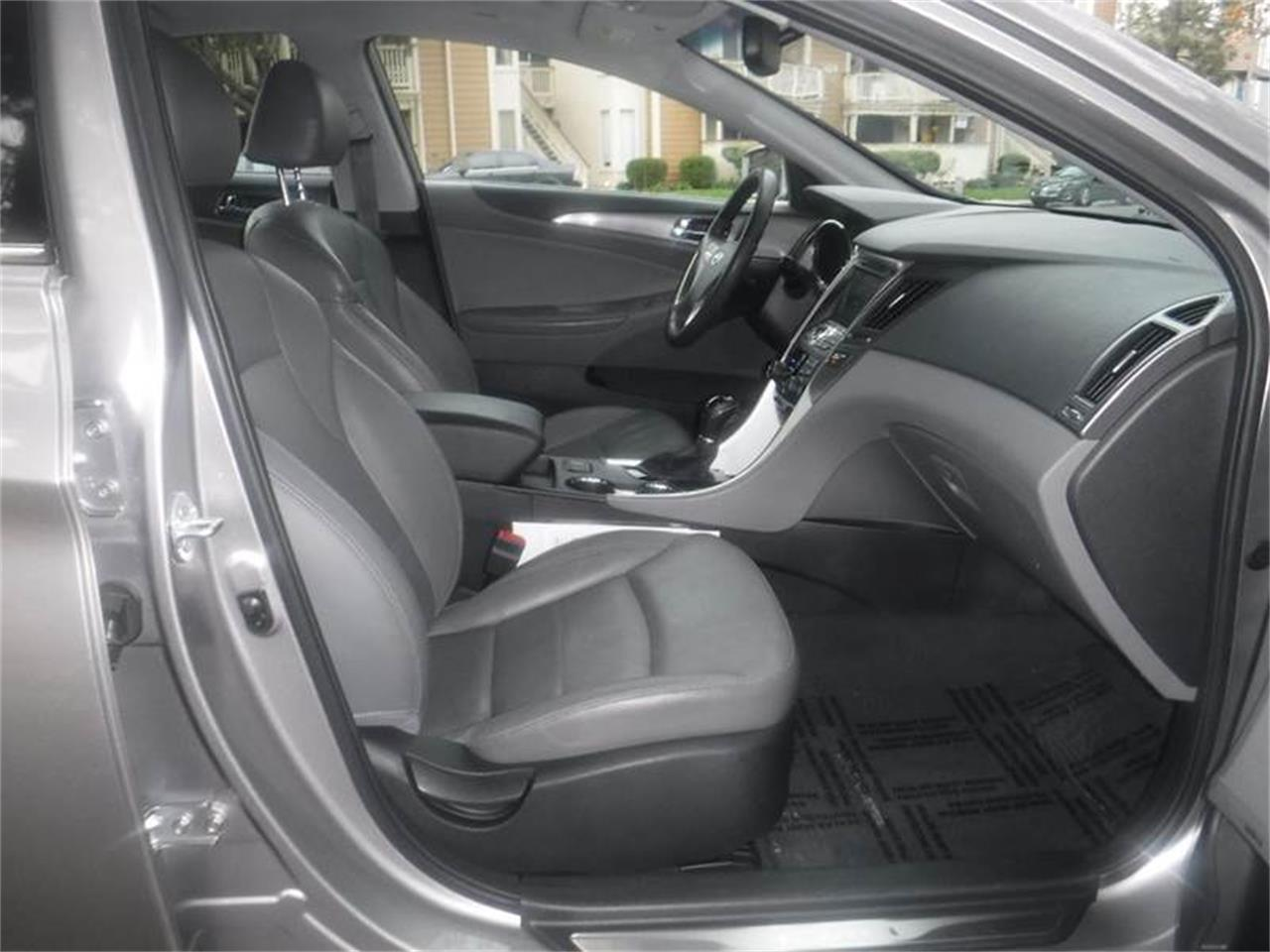 Large Picture of '11 Sonata located in California - MOBC