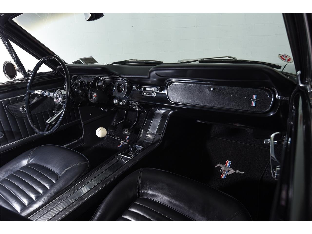 Large Picture of '65 Mustang GT - MOBI