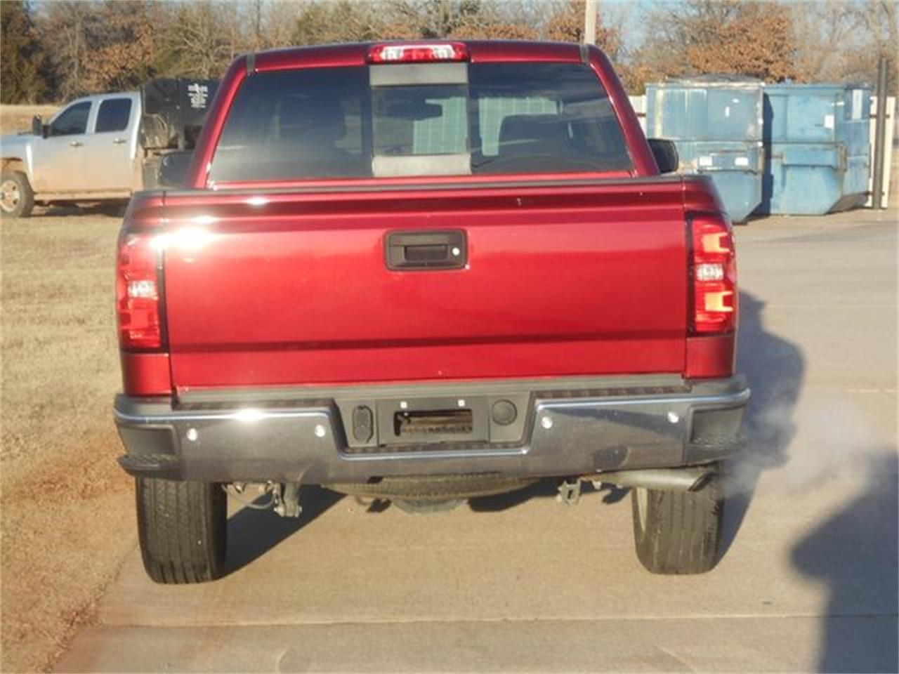 Large Picture of '17 Chevrolet Silverado located in Oklahoma Offered by Knippelmier Classics - MOCG