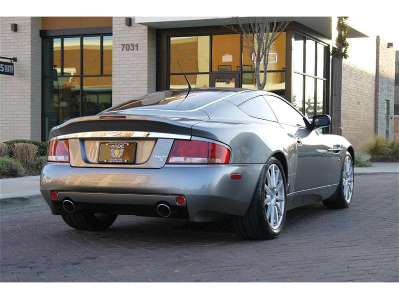 Large Picture of '06 V12 - MOCZ