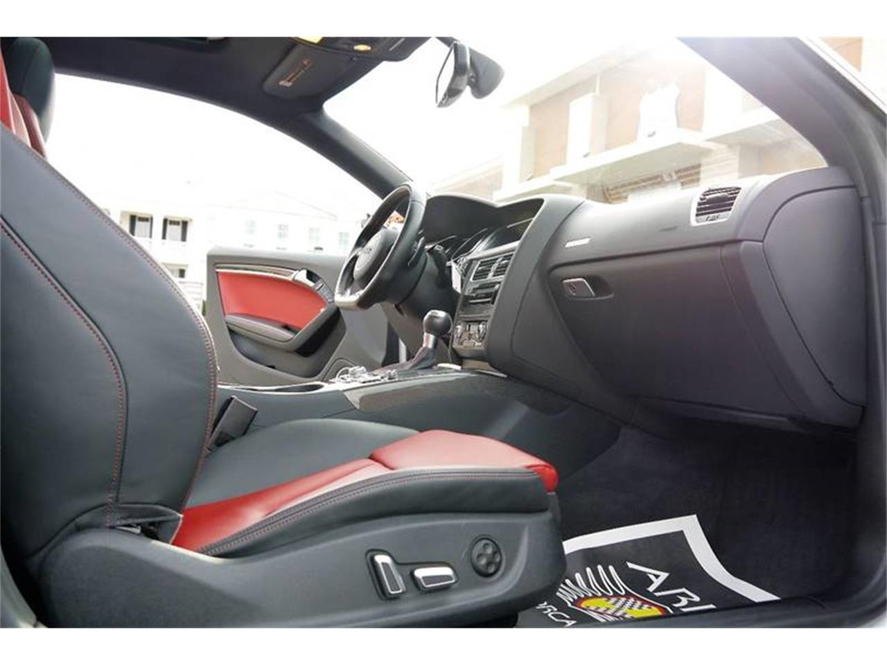 Large Picture of 2015 Audi S5 located in Brentwood Tennessee - MOD5