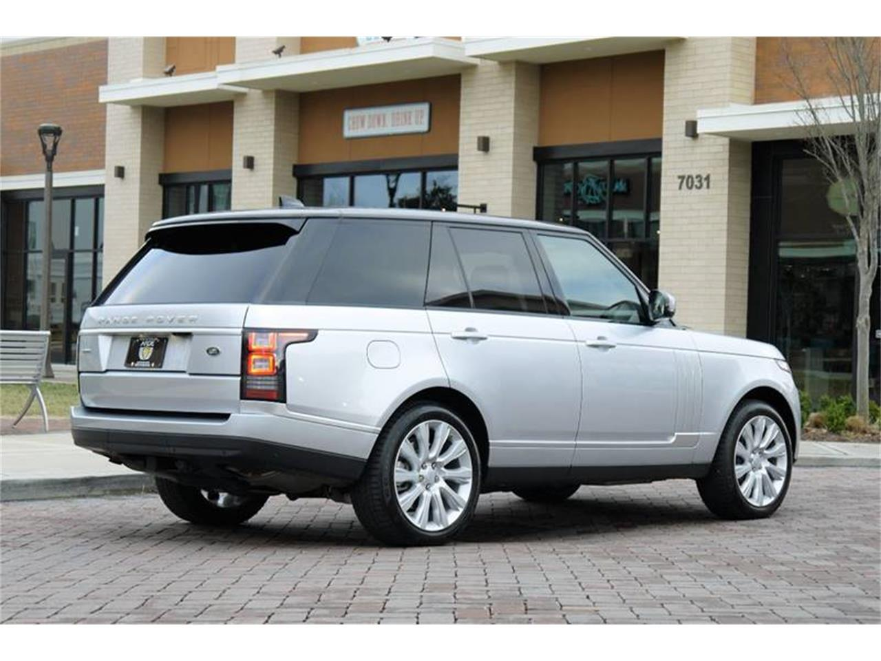 Large Picture of 2017 Land Rover Range Rover Auction Vehicle - MODC