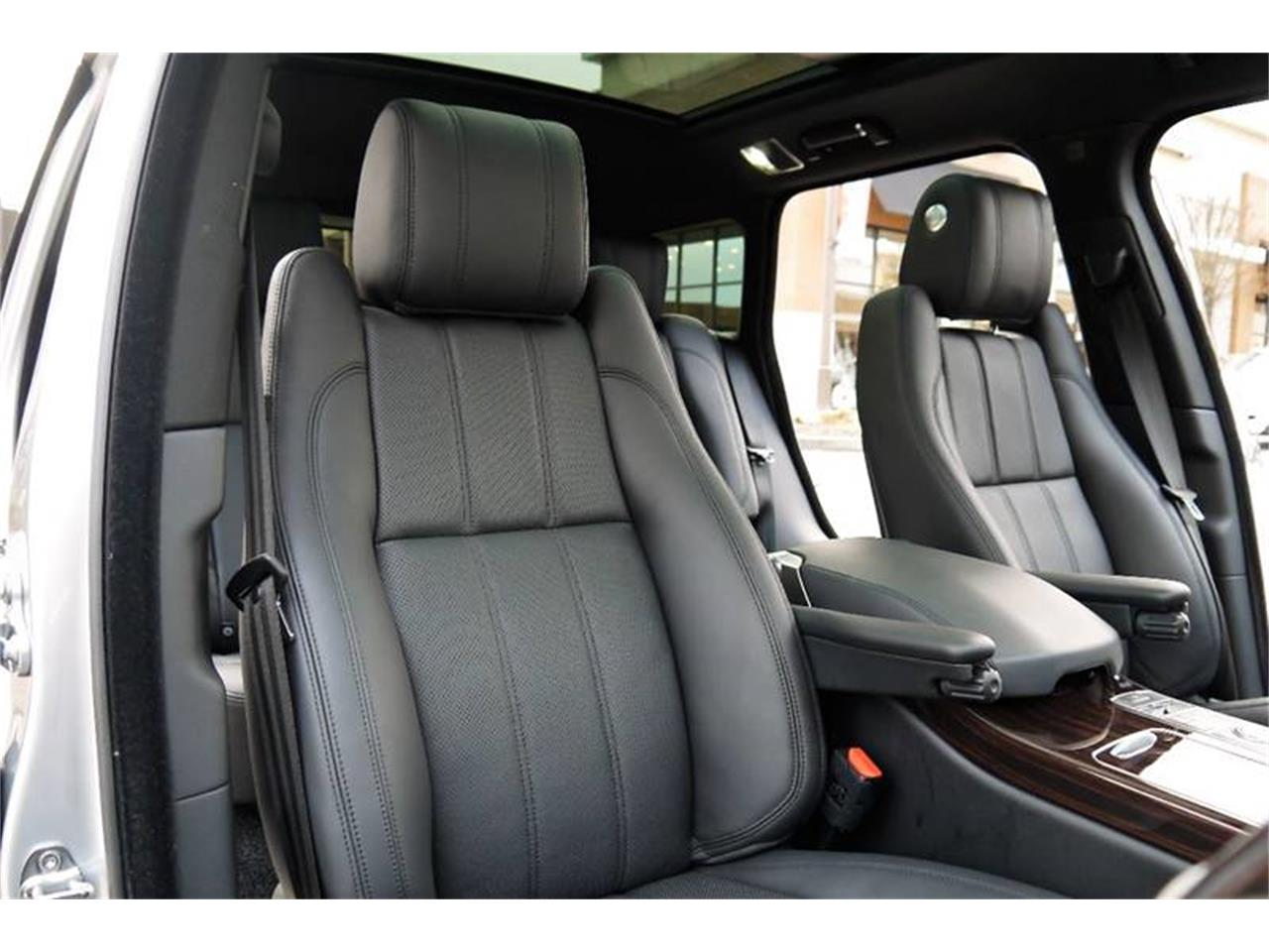 Large Picture of '17 Land Rover Range Rover Auction Vehicle - MODC