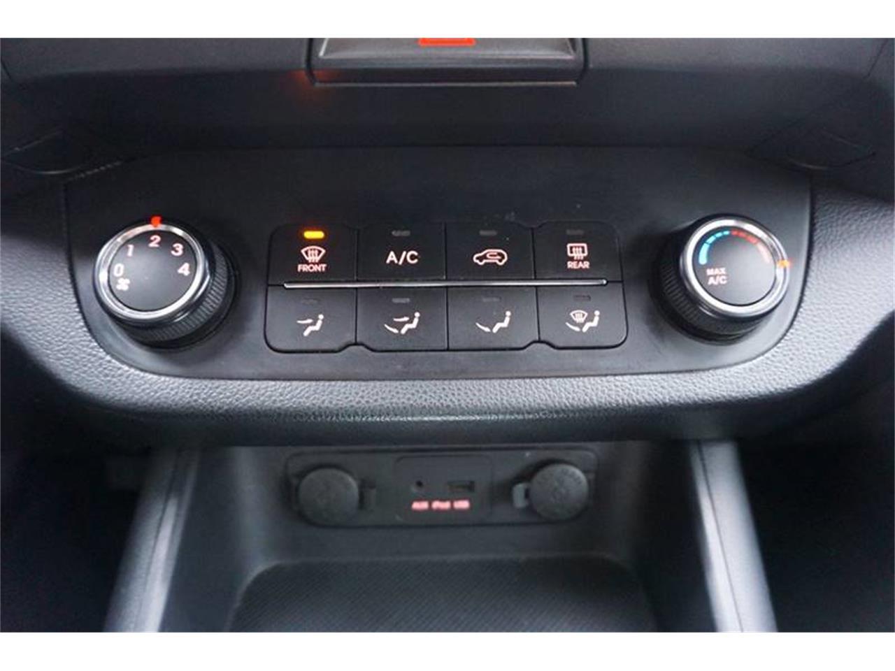 Large Picture of 2011 Kia Sportage - $7,400.00 Offered by Cincinnati Auto Wholesale - MODN