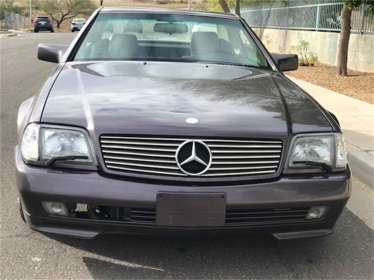 Large Picture of '92 Mercedes-Benz SL500 located in Arizona Auction Vehicle Offered by Russo and Steele - MOE6
