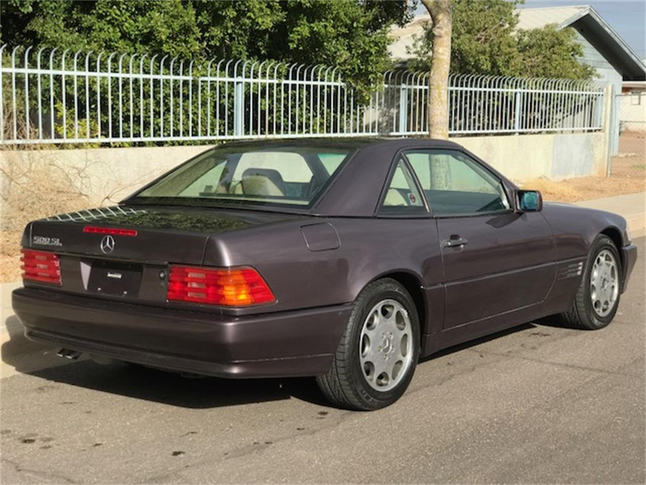 Large Picture of '92 SL500 Auction Vehicle Offered by Russo and Steele - MOE6
