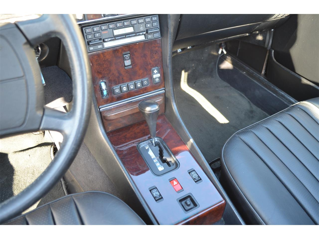 Large Picture of '89 560SL located in Arizona Auction Vehicle Offered by Russo and Steele - MOEB