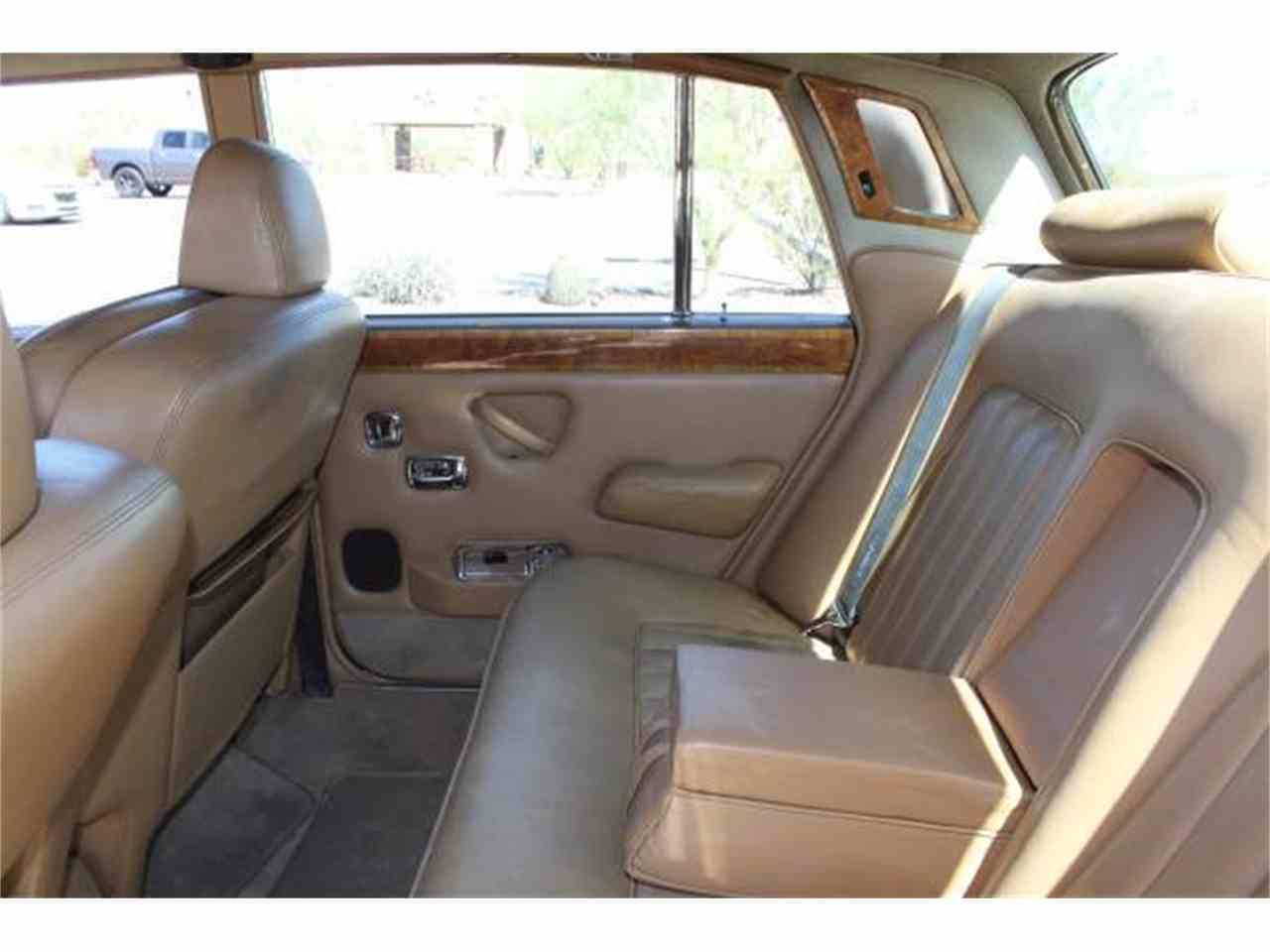 Large Picture of '77 Rolls-Royce Silver Shadow Offered by Russo and Steele - MOEM