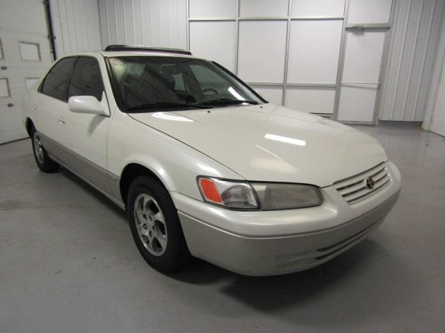 Picture of 1999 Toyota Camry located in Virginia Offered by  - MOLU