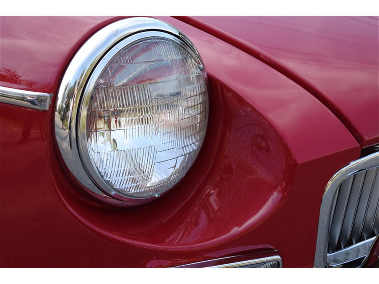 Large Picture of '66 MG MGB Offered by Motor City Classic Cars - MP0T