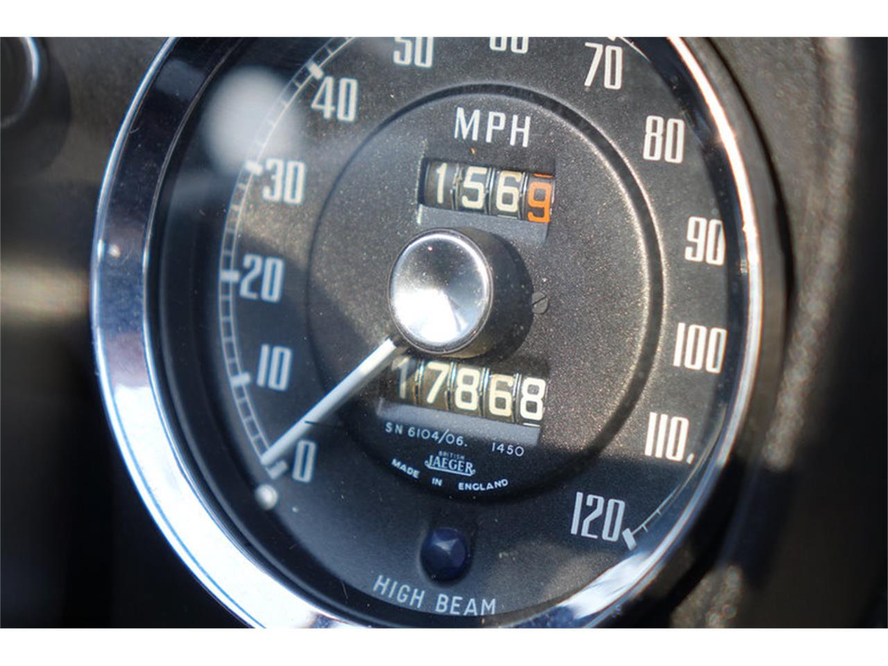 Large Picture of Classic 1966 MG MGB Offered by Motor City Classic Cars - MP0T