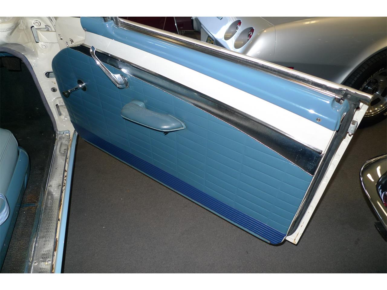 Large Picture of Classic '57 Ford Skyliner located in Anaheim California - $29,975.00 - MIVW