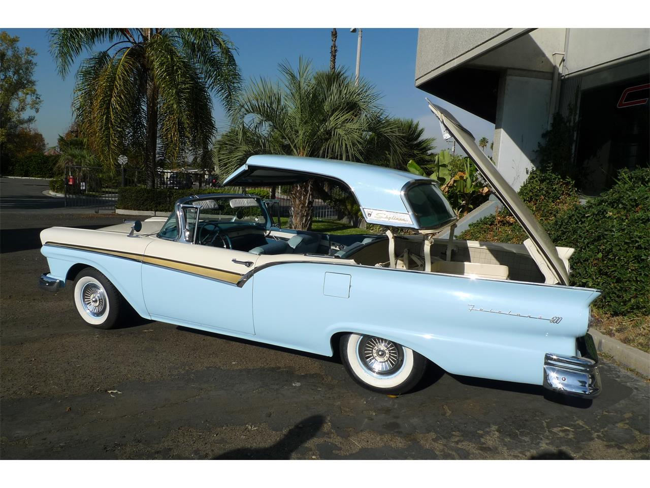 Large Picture of Classic 1957 Skyliner - $29,975.00 - MIVW