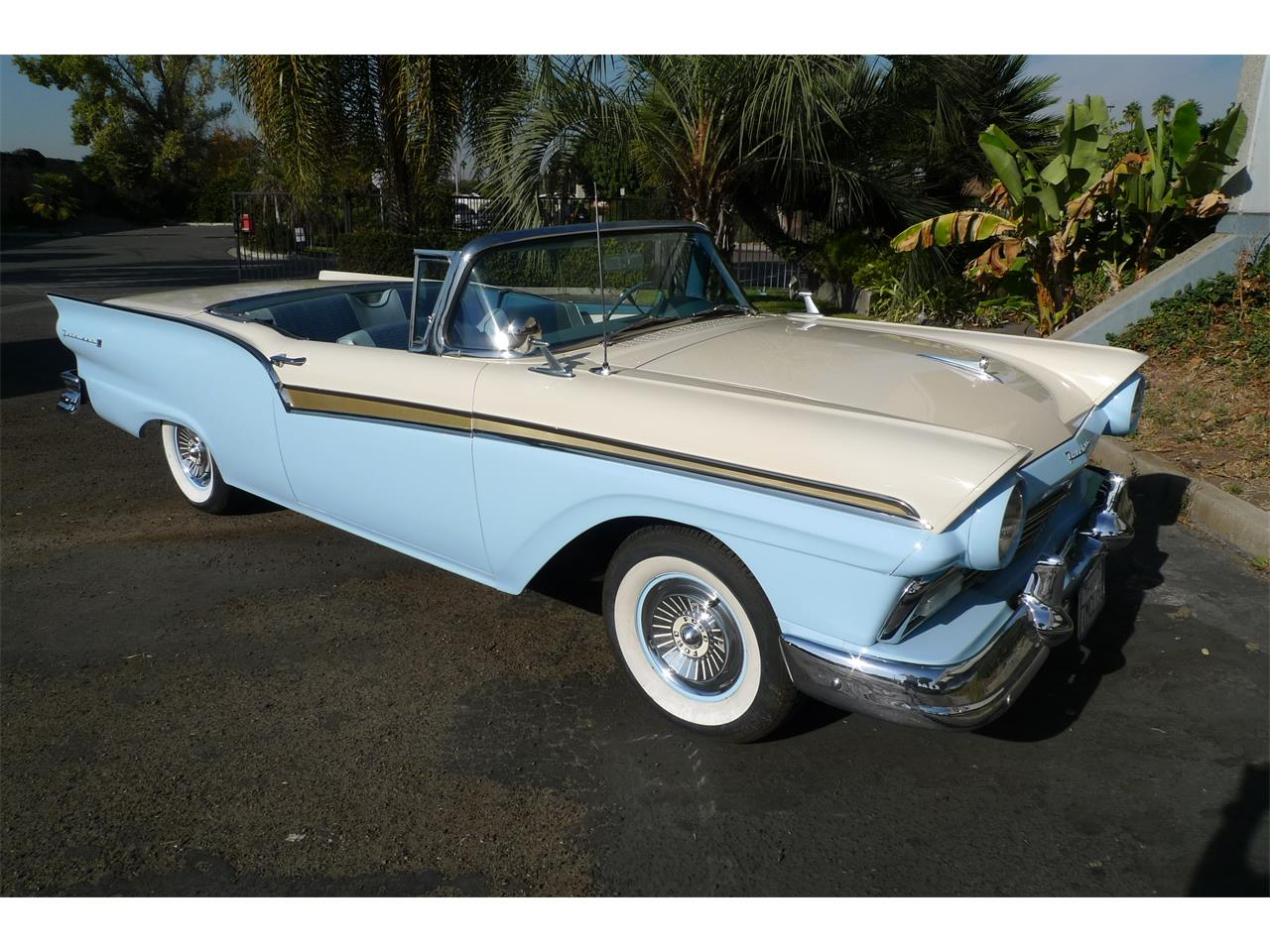 Large Picture of Classic '57 Skyliner - $29,975.00 - MIVW