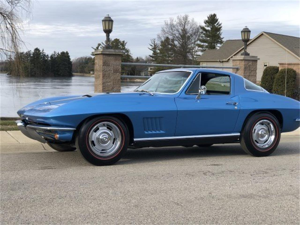 Large Picture of '67 Corvette located in North Carolina Auction Vehicle Offered by GAA Classic Cars Auctions - MPZC