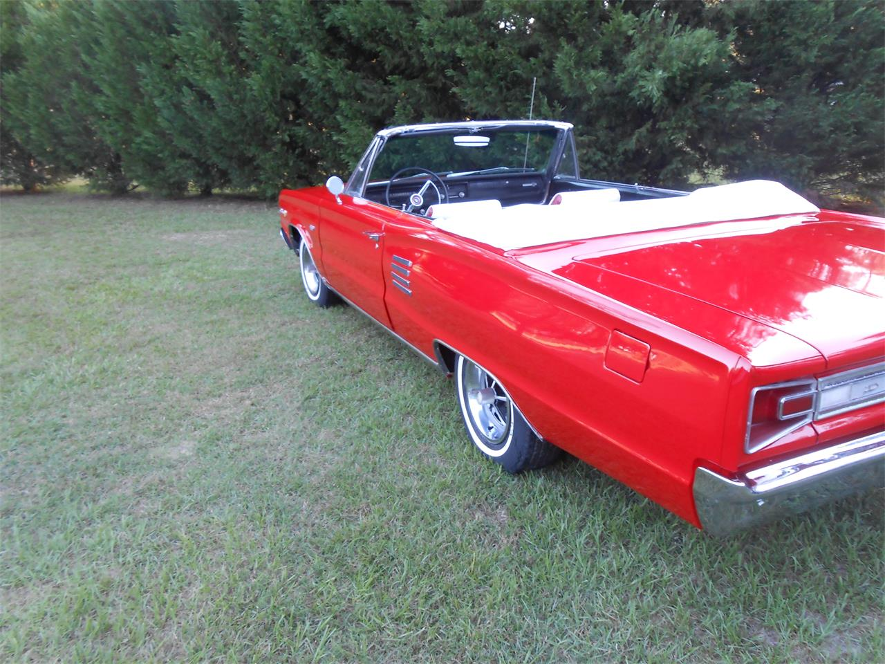 Large Picture of Classic 1966 Coronet 500 - MR9U