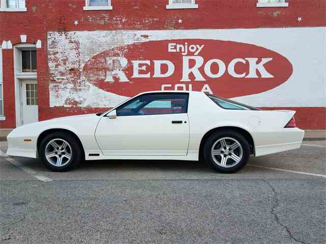Picture of '90 Camaro IROC Z28 - MRLV