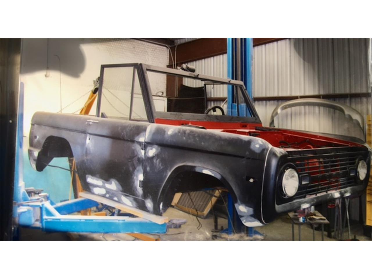 Large Picture of '74 Ford Bronco located in houston Texas - MRPH