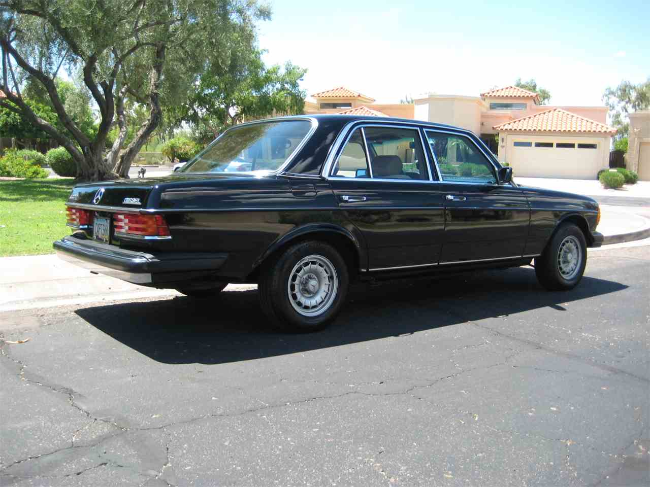Large Picture of '80 Mercedes-Benz 300D - MRS0