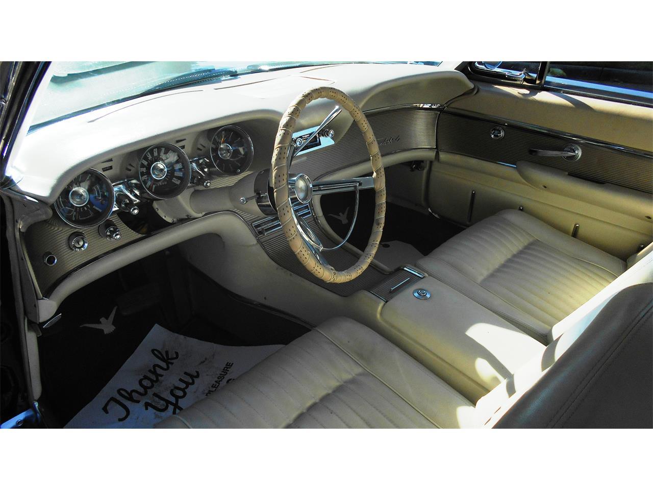 Large Picture of Classic 1961 Thunderbird - MSGC