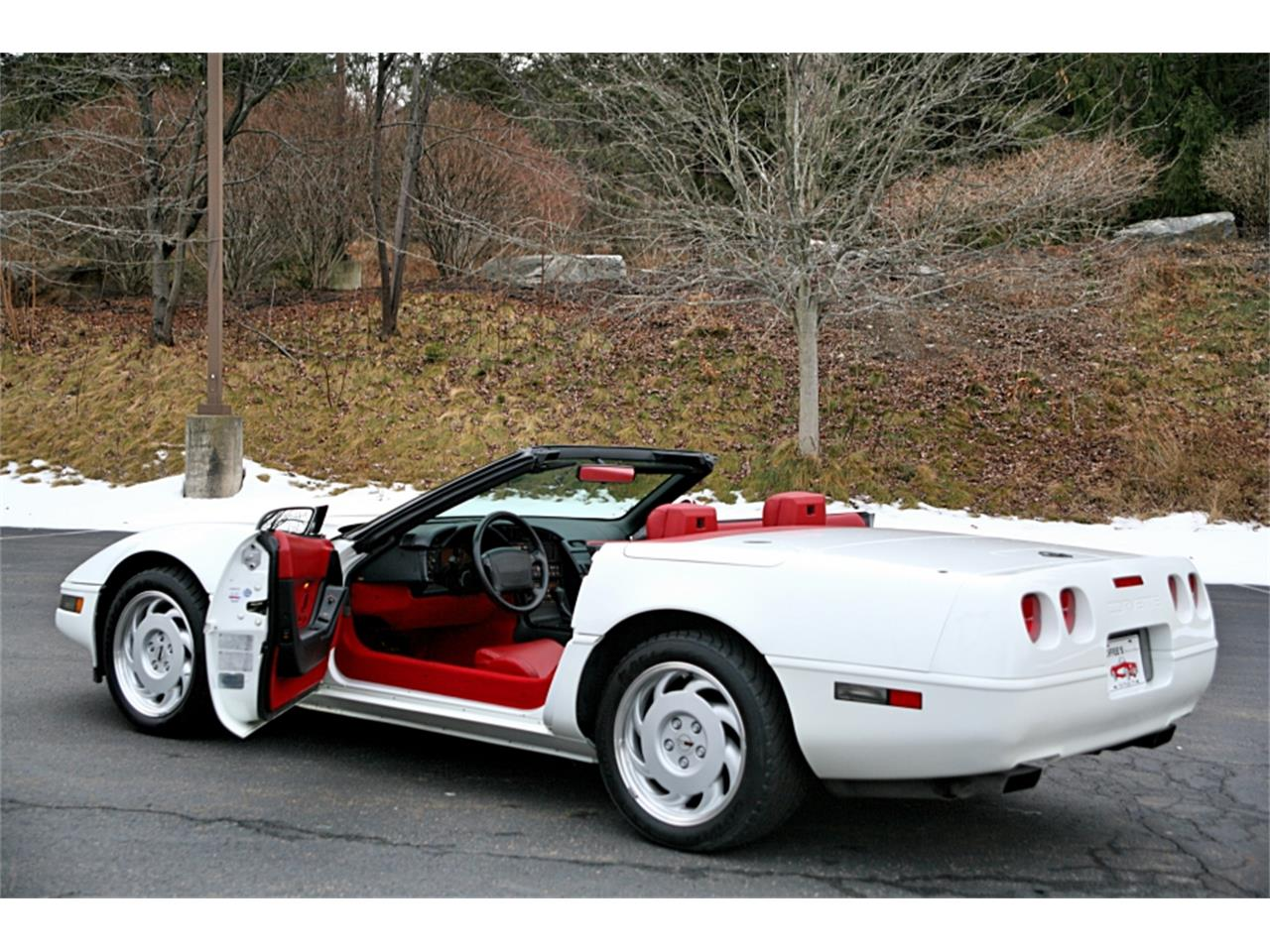 Large Picture of 1992 Corvette located in Old Forge Pennsylvania - $19,900.00 Offered by Coffee's Sports and Classics - MSGH