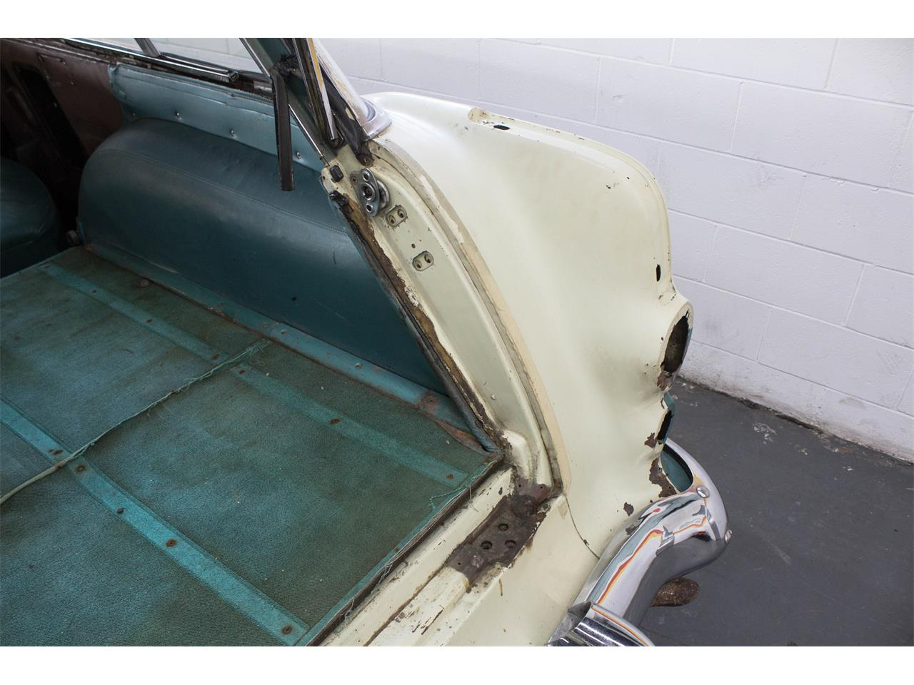 Large Picture of 1955 Pontiac Safari located in MONTREAL Quebec Offered by John Scotti Classic Cars - MSOX
