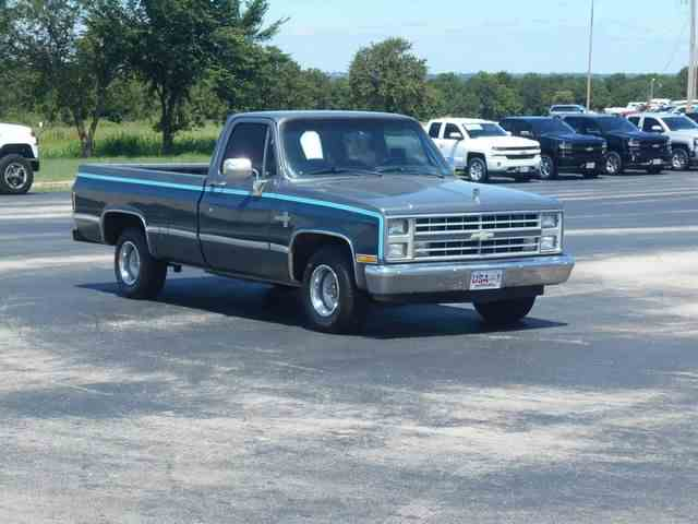 Picture of '87 1/2 Ton Pickup - MT9U