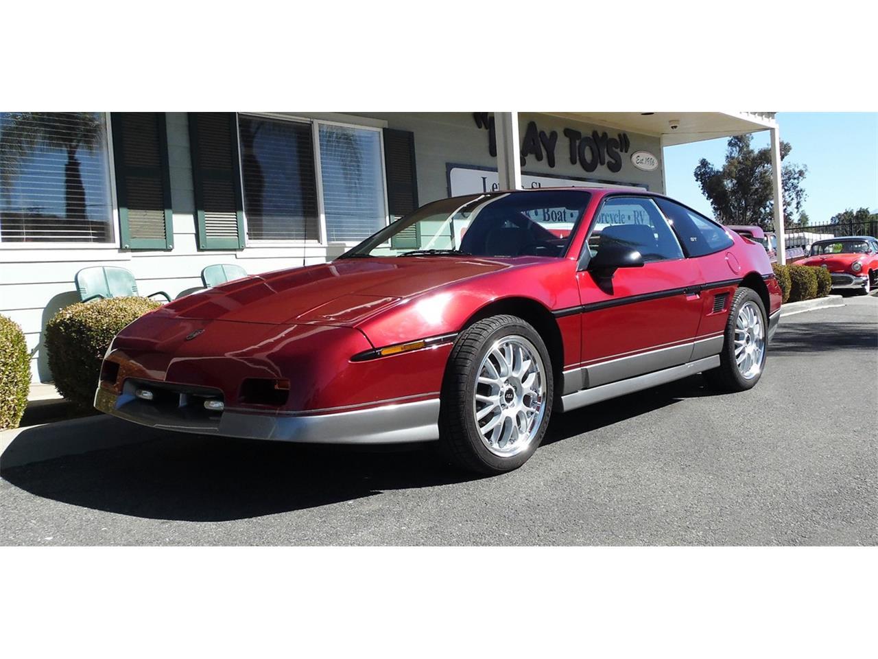 Large Picture Of 1987 Pontiac Fiero Located In Redlands California