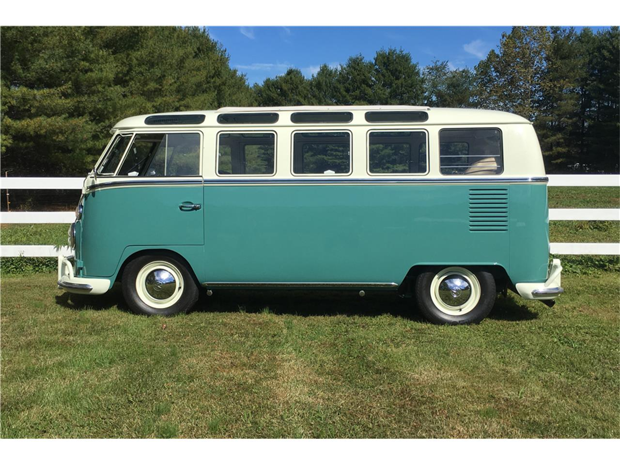 Large Picture of Classic '66 Volkswagen Bus Offered by Barrett-Jackson Auctions - MTIL