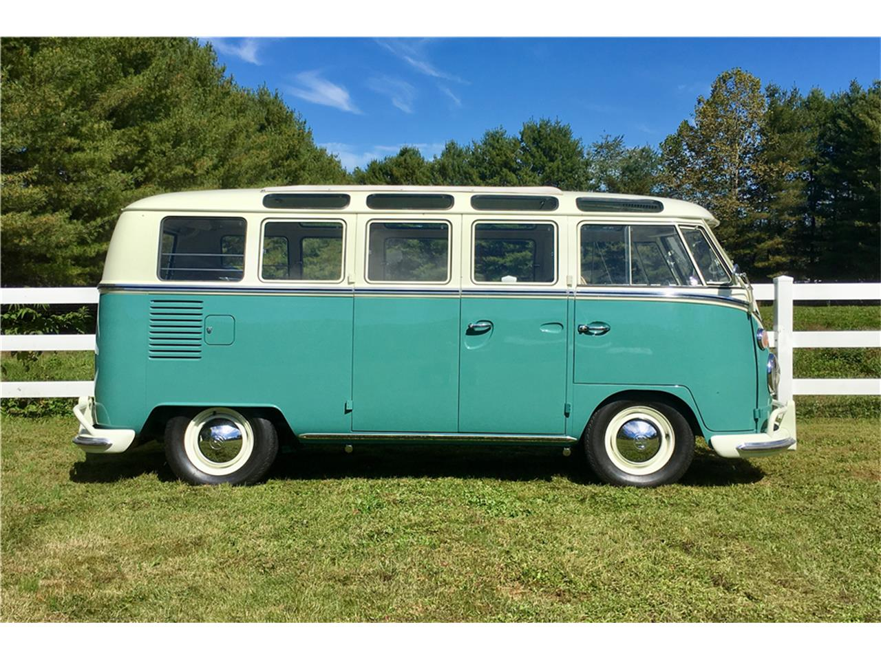 Large Picture of Classic 1966 Volkswagen Bus located in West Palm Beach Florida - MTIL