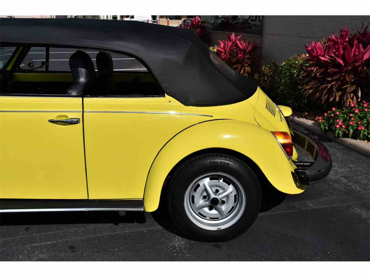 Large Picture of 1974 Volkswagen Beetle located in Venice Florida - $17,983.00 - MTQ8