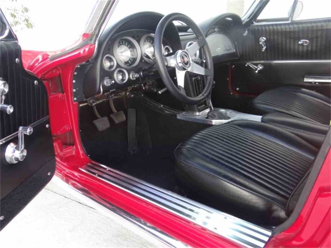 Large Picture of 1963 Chevrolet Corvette - MUAW