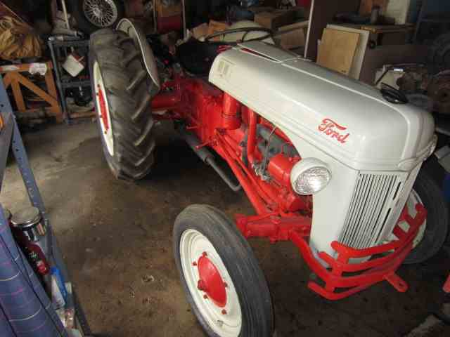 Picture of '42 2N Tractor - MUEX