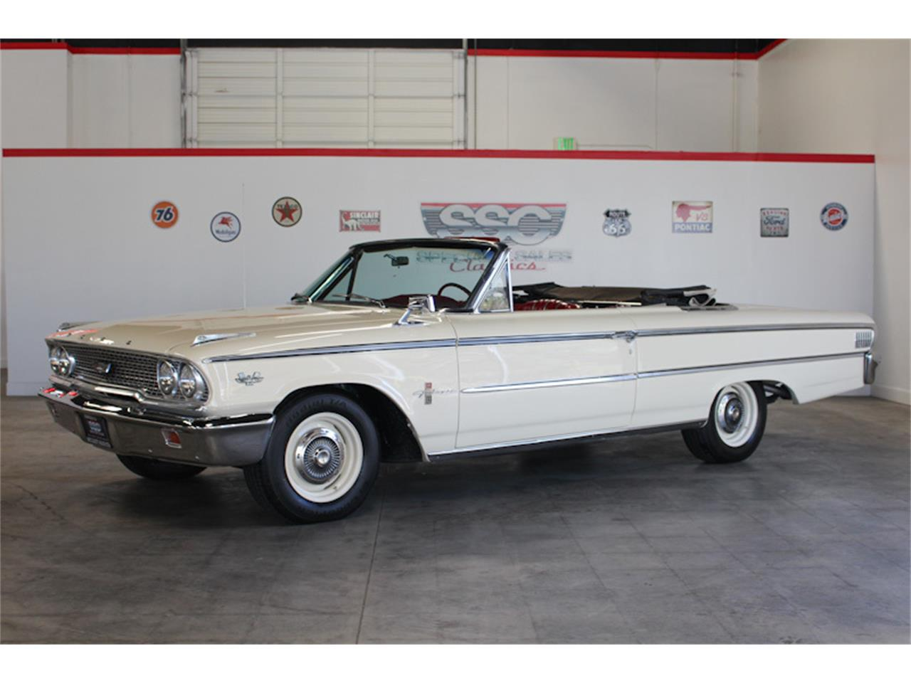 Large Picture of Classic 1963 Ford Galaxie 500 XL located in California - MVLW