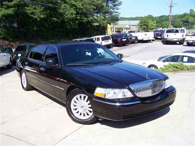 Picture of '06 Town Car - MQIB