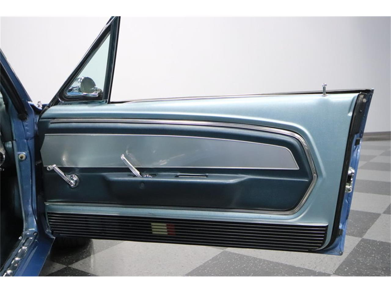 Large Picture of '67 Mustang - MW1I