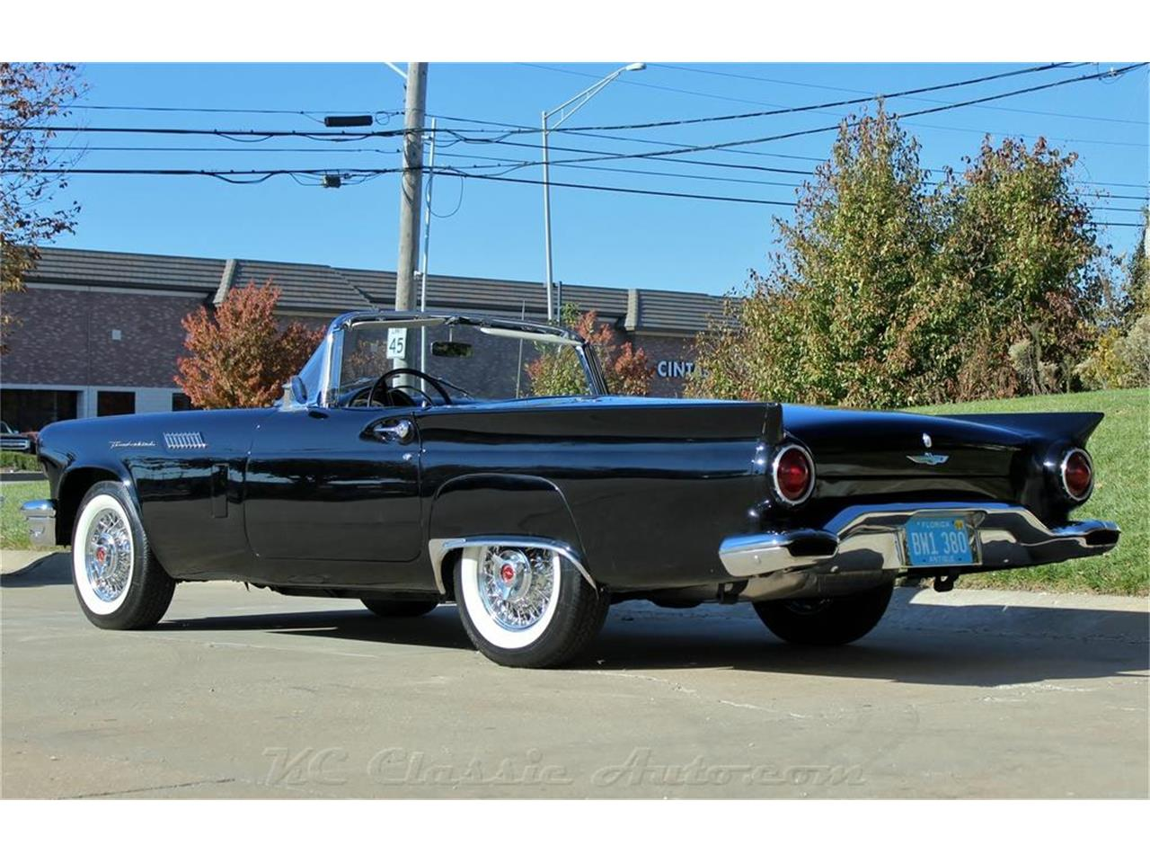 Large Picture of '57 Thunderbird - MWD1